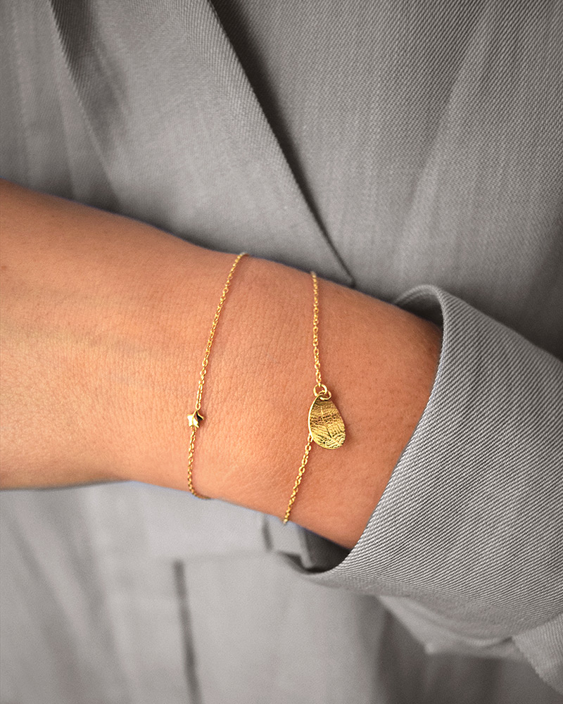 Leaf-drop-bracelet-gold-