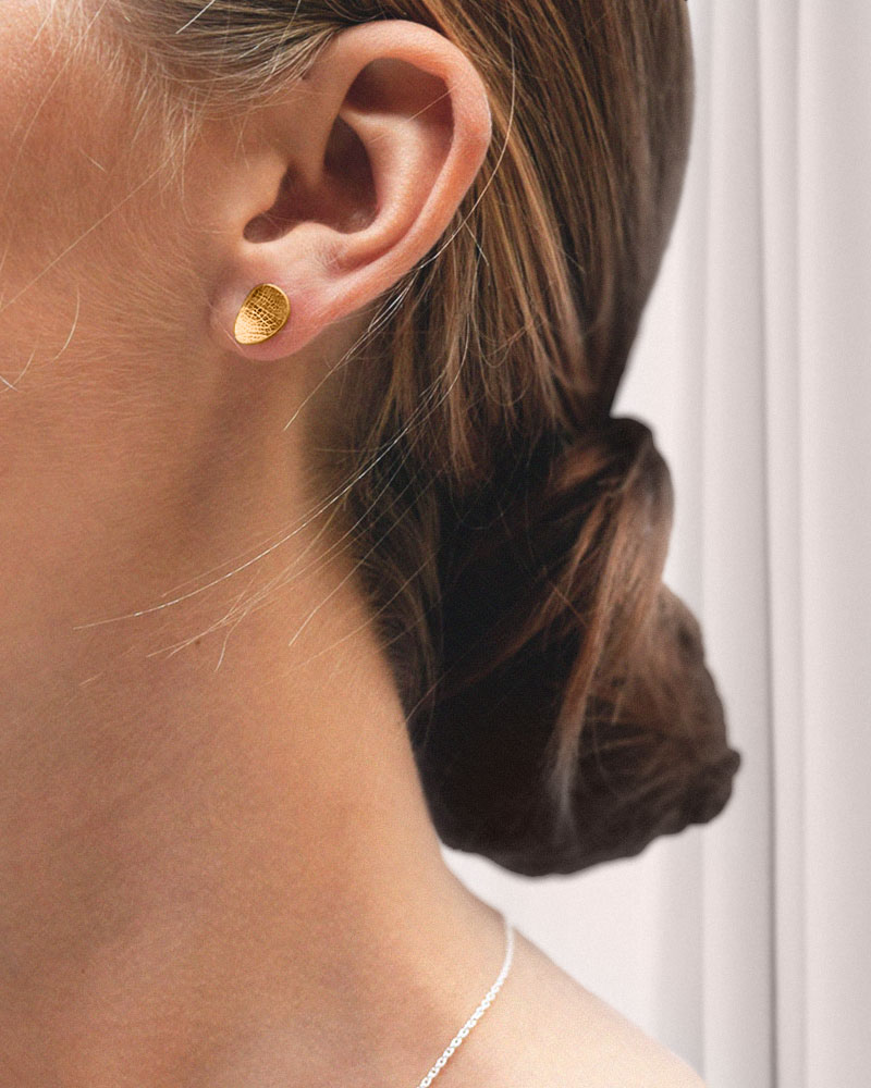 Leaf-drop-studs-fixed-gold-1
