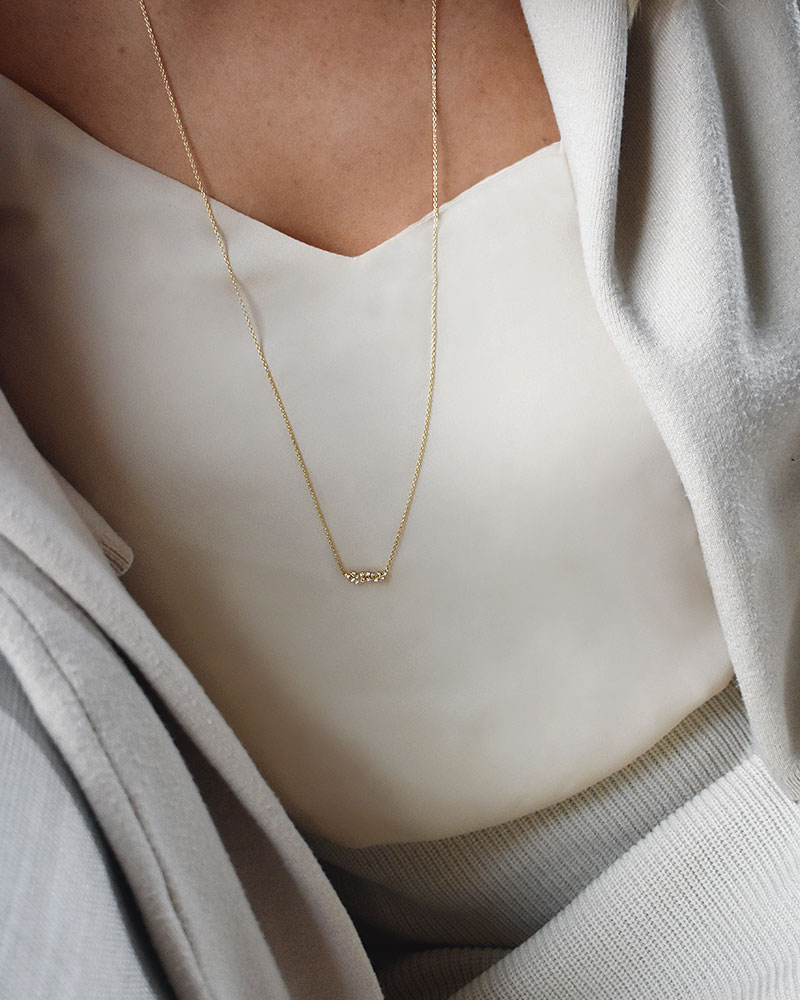 Milky-Way-single-necklace-long-gold-01