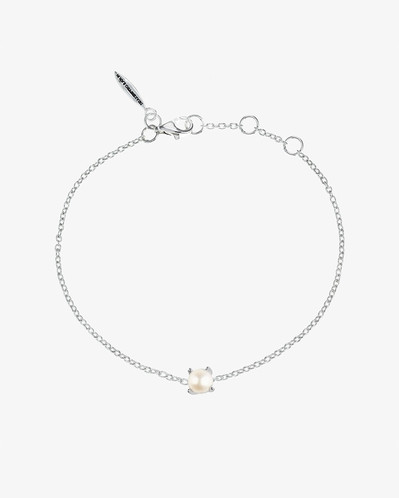 Petite-Pearl-bracelet
