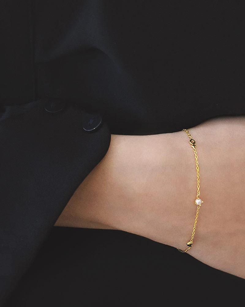 Petite-Treasure-bracelet-gold-01
