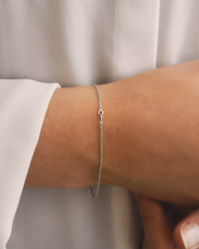Women-Unite-drop-bracelet-01