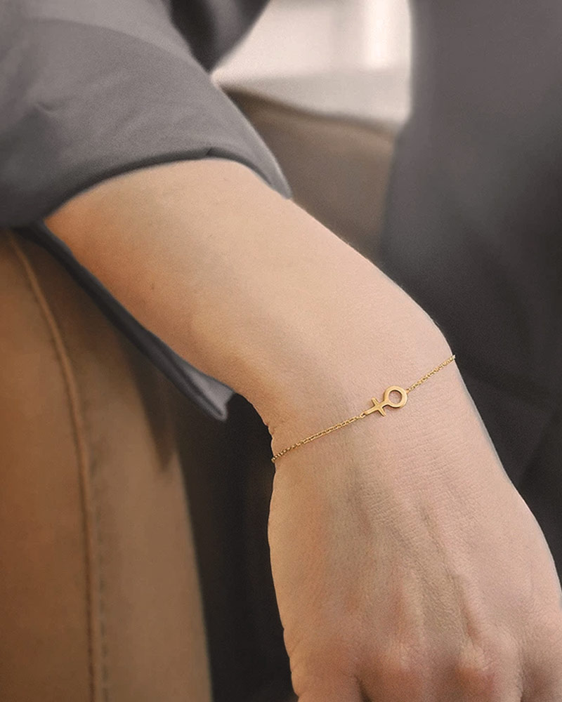 Women-unite-small-bracelet-gold-01