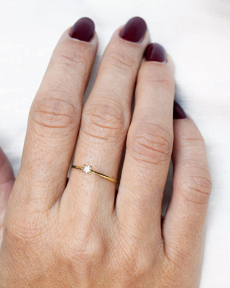 diamond-sky-drop-ring-gold-01
