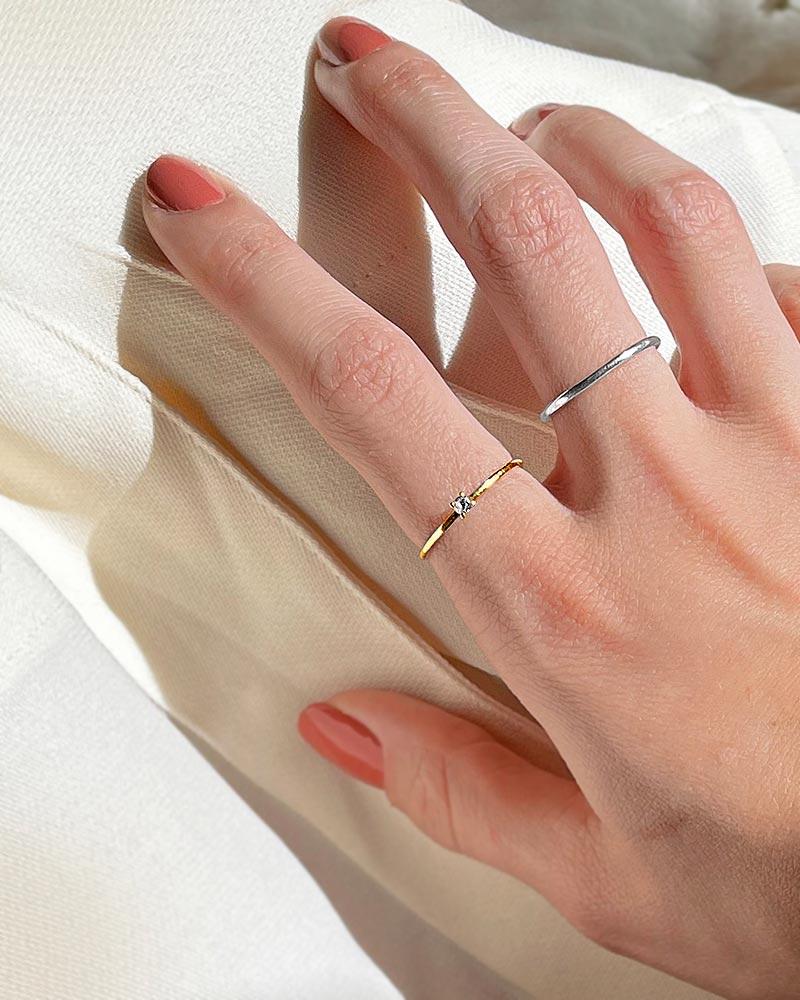 diamond-sky-drop-ring-gold-02
