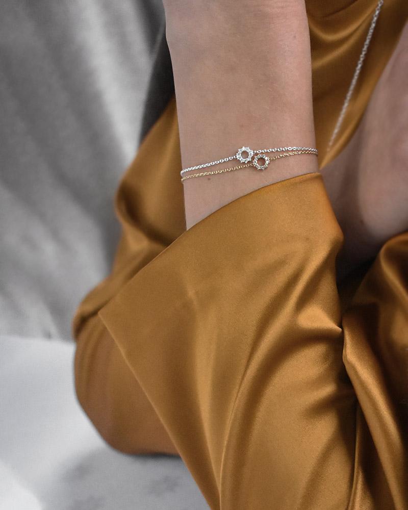 infinity-drop-bracelet-gold-01