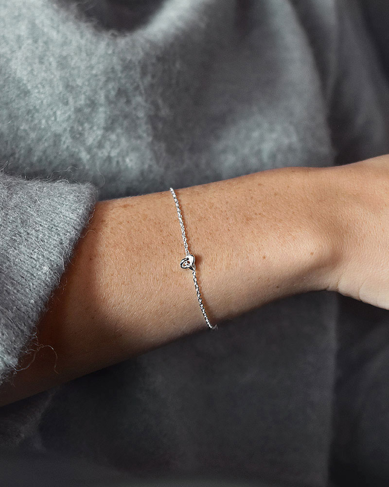 le-knot-drop-bracelet-05
