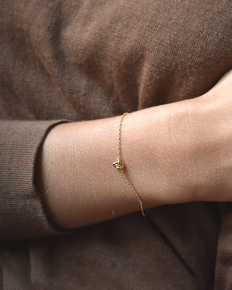 le-knot-drop-bracelet-gold-01