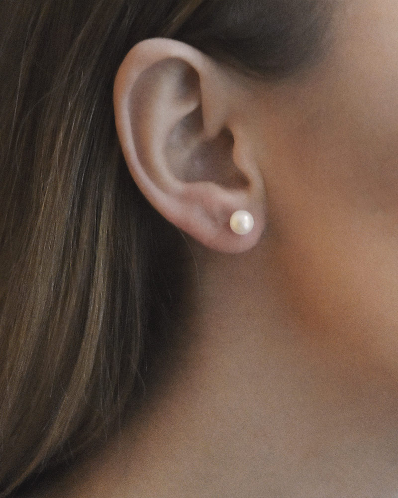 le-pearl-small-studs-01