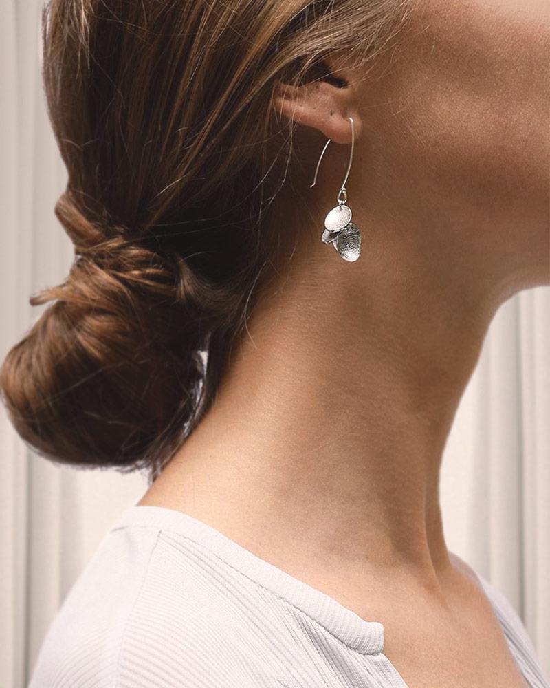 leaf-mini-earrings-01