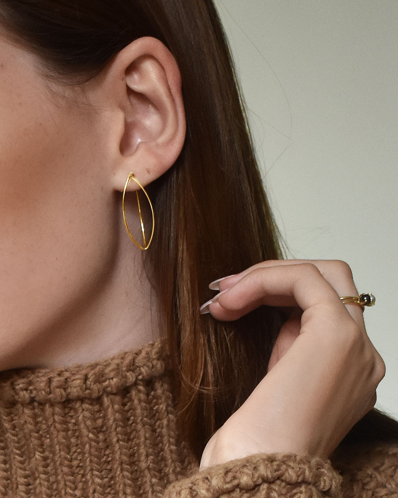 together-small-earrings-gold-02