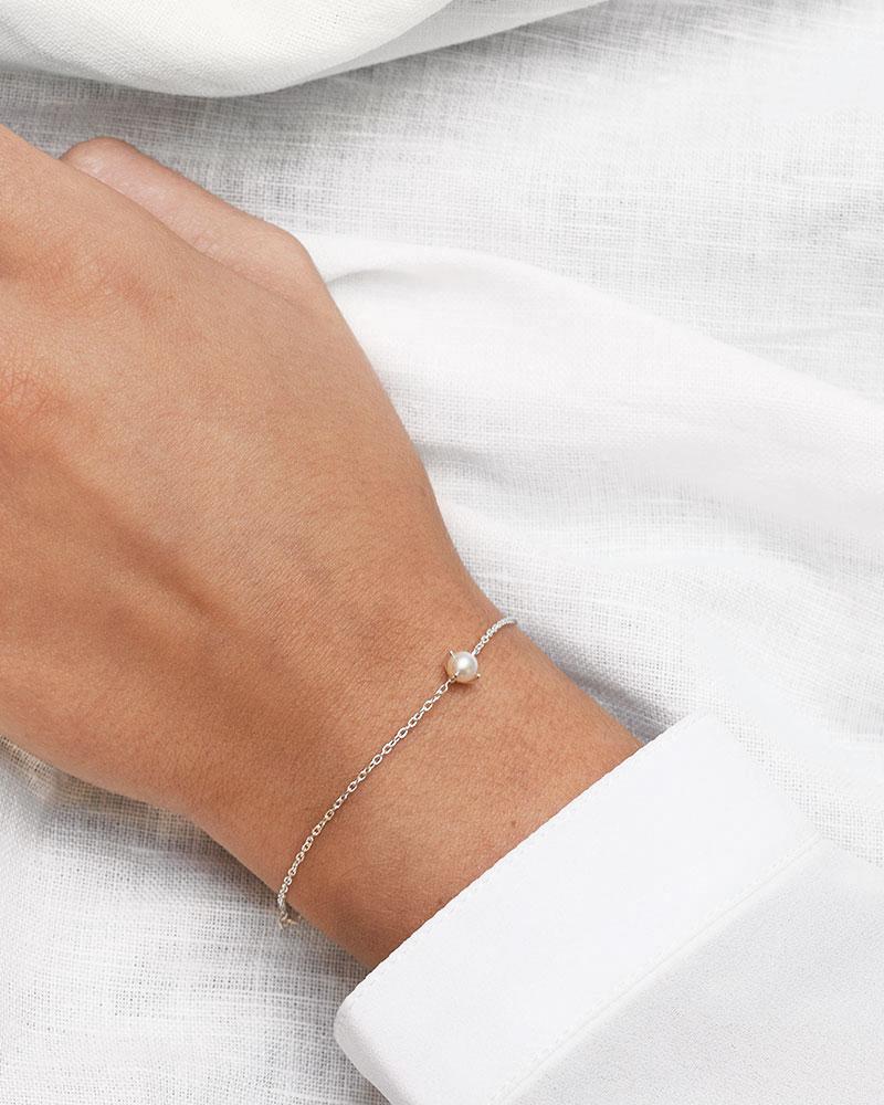 Petite-Pearl-bracelet-2