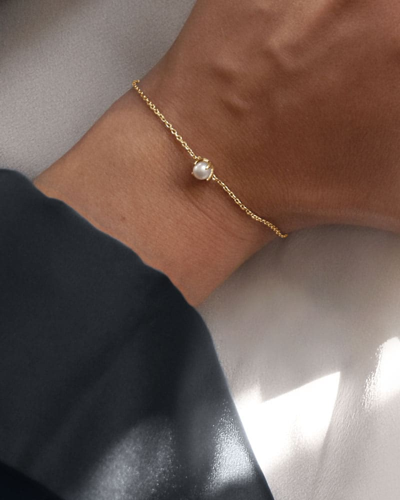 petite-pearl-bracelet-gold-00