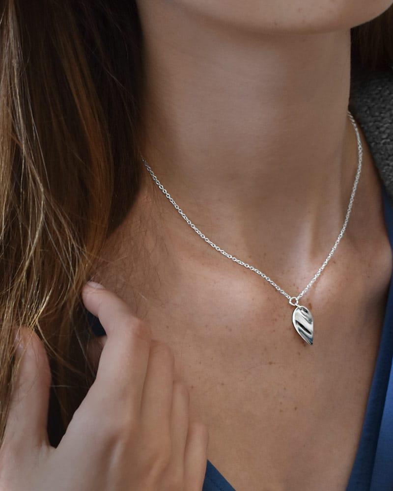 Aqua-small-single-necklace-01